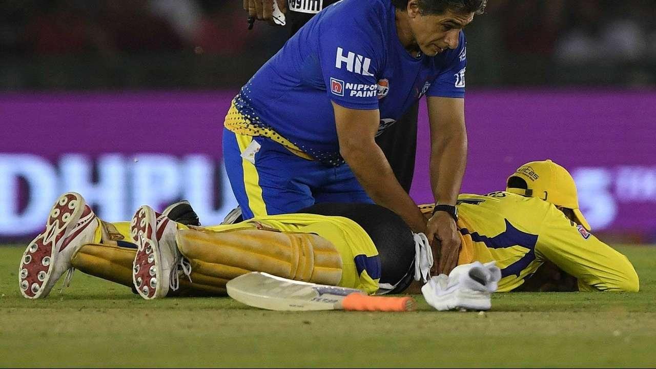 Dhoni-back-pain
