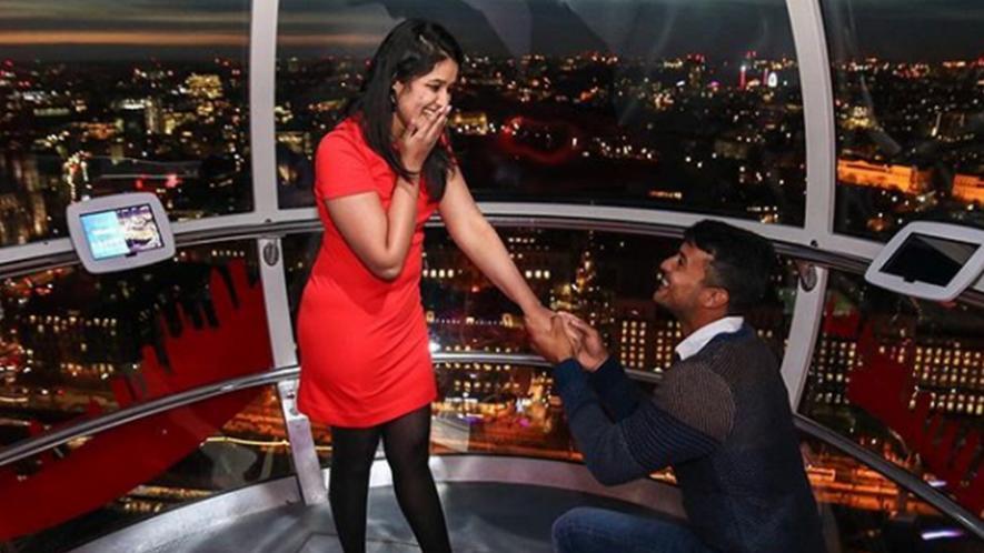 Mayank agrawaal proposing her girlfriend